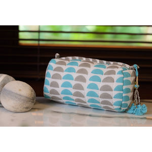 Kochi Half Circle Make Up Bag - make-up & wash bags