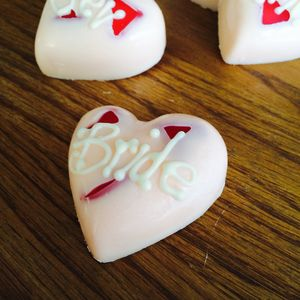 Personalised Chocolate Settings/ Favours - cakes & treats