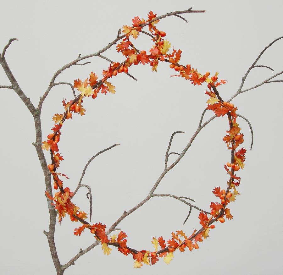 Autumn wedding oak leaf decoration by just add a dress for Autumn leaf decoration