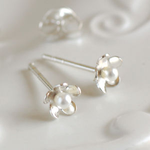 Dainty Silver Daisy Stud Earrings - women's jewellery
