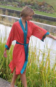 Flame Lily Short Kimono Dressing Gown - lounge & activewear