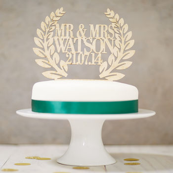 Personalised Wooden Wreath Wedding Cake Topper