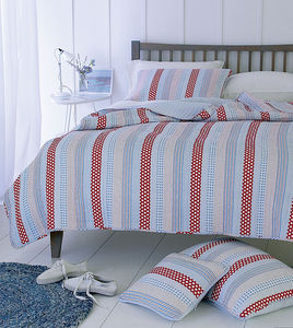New England Style Polkadot Quilted Double Bedspread - bedroom