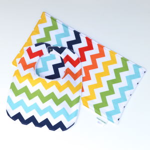 Bib And Burp Cloth Set 'Chevron' - bathtime