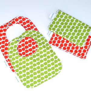 Bib And Burp Cloth Set 'Apples' - bathtime