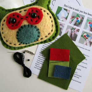 Felt Bear Brooch Kit