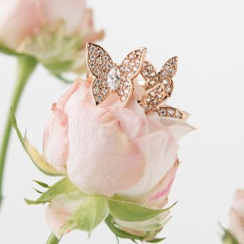 Rose Gold Butterflies Cocktail Ring