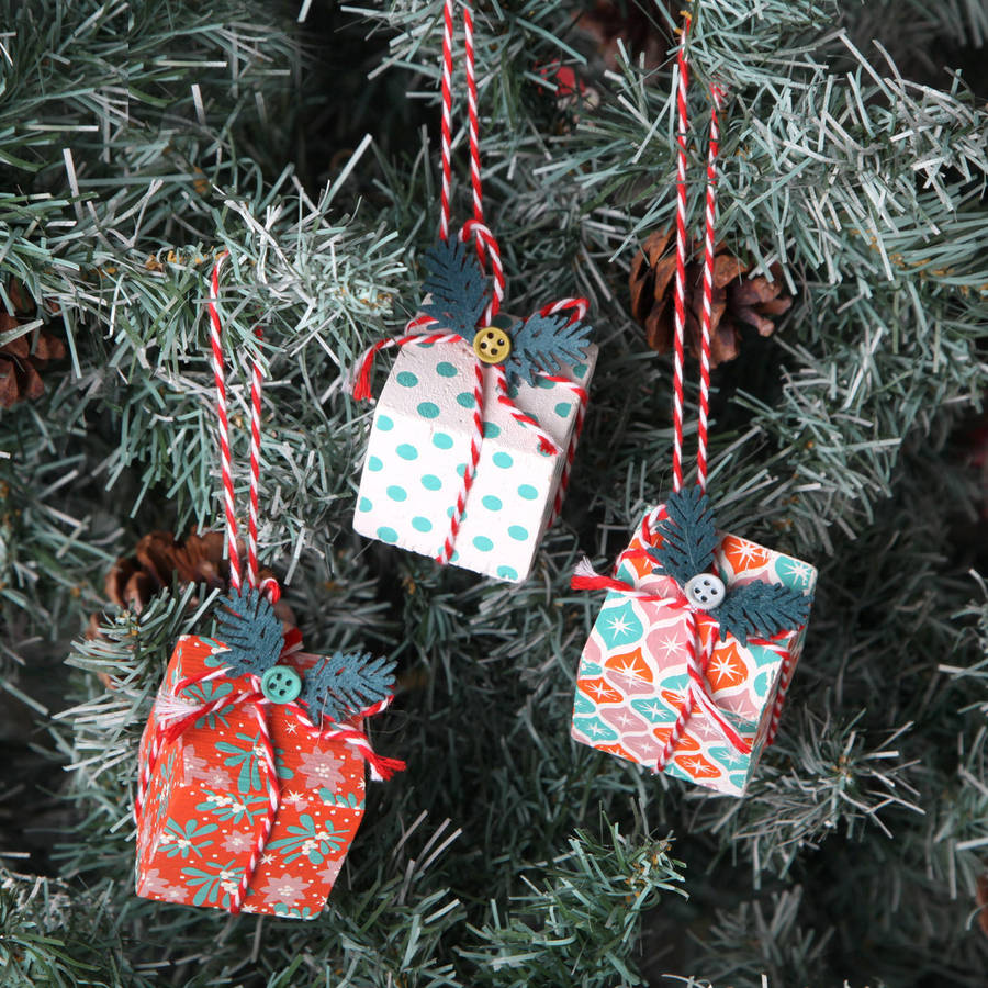 Red Berry Christmas Tree Decorations : Christmas tree parcel decorations by red berry apple