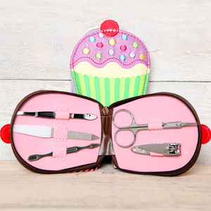 Cupcake Manicure And Tweezer Gift Set