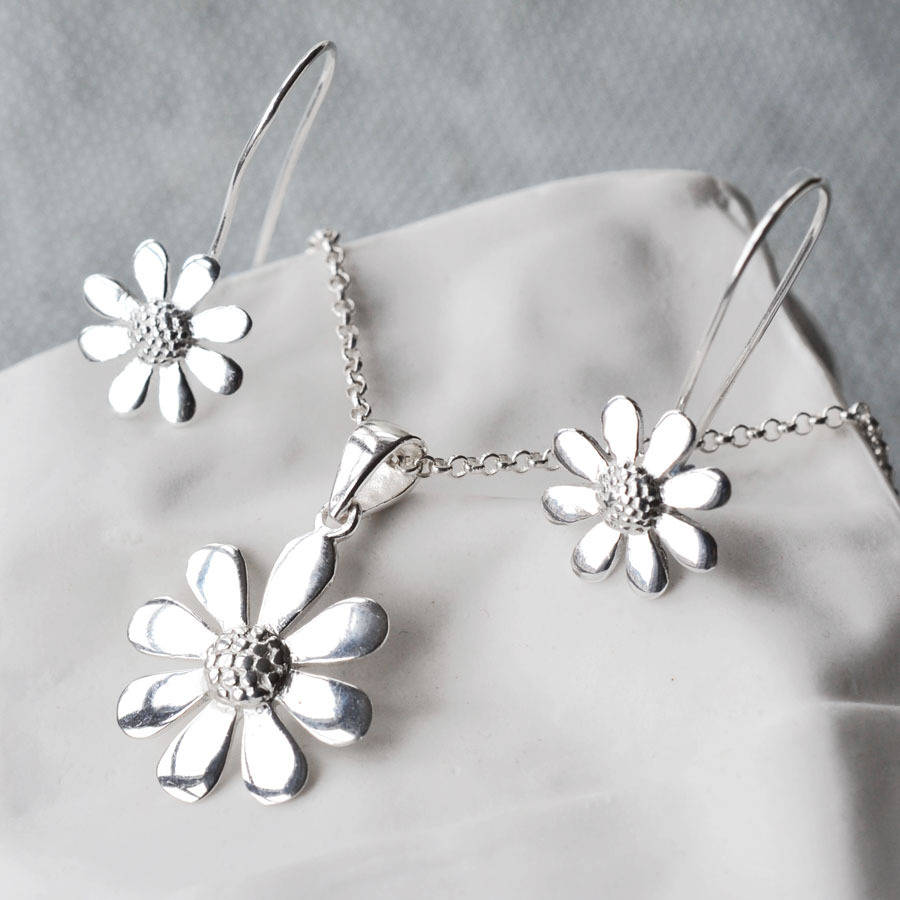 Contemporary Silvers: Silver Contemporary Daisy Jewellery Set By Martha Jackson