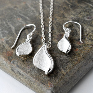 Silver Lily Leaf Jewellery Set - women's jewellery