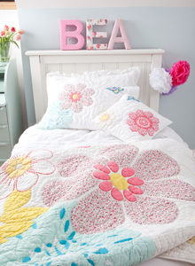 Daisy Floral Quilt - soft furnishings & accessories