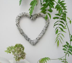 Whitewashed Heart Willow Wreath - room decorations