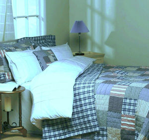 American Style Kingsize Patchwork Quilted Bedspread - bed, bath & table linen