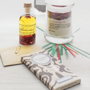 Queen Of Roses Bespoke Gift Set - gift sets