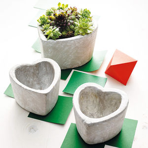 Concrete Heart Pot - stocking fillers under £15