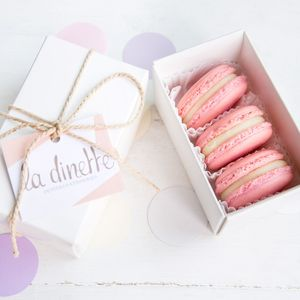 10 Three Macaron Favour Box - christmas