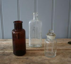 A Set Of Vintage Bottles S10