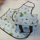 Thumb insulated childrens lunchbag