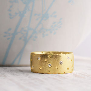 18ct Yellow Gold And Diamond Ring - rings