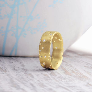 Diamond And 18ct Yellow Gold Ring - wedding jewellery