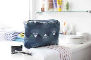 A 'Rakish' Wash Bag