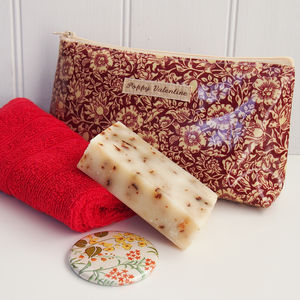 Gift Set With William Morris Cosmetic Bag