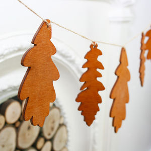 Wooden Oak Leaf Christmas Winter Bunting