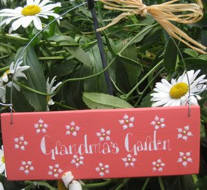 Daisy Garden Sign