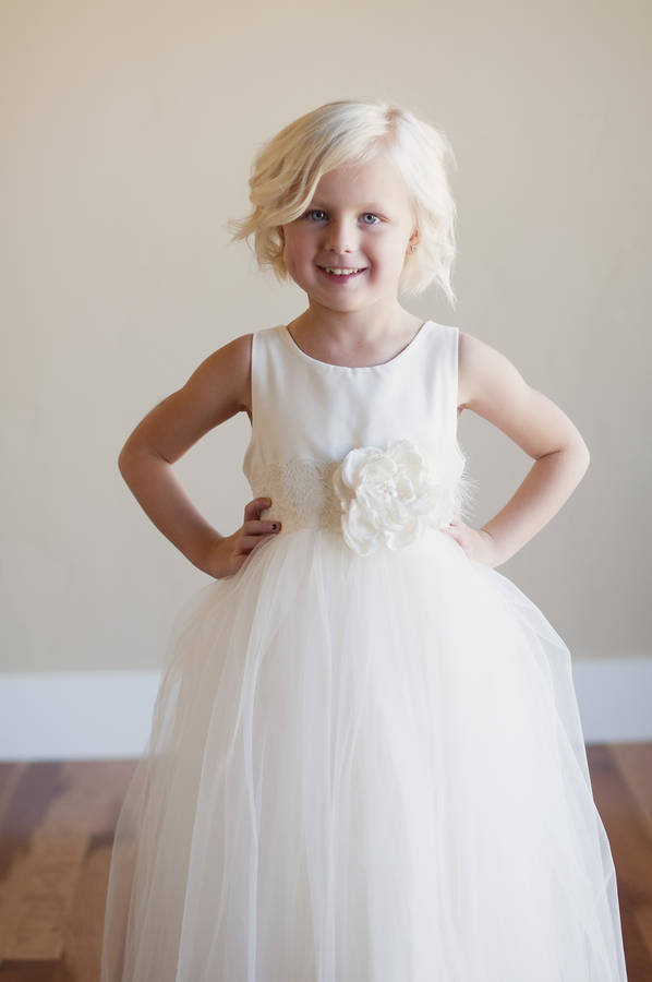 Cool wedding dresses for young: Young bridesmaid dresses ivory