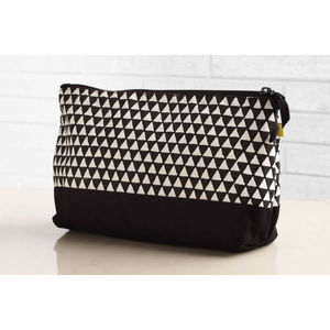 Alibag Triangle Wash Bag
