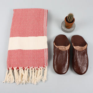 Men's Towel And Slipper Gift Set, Red