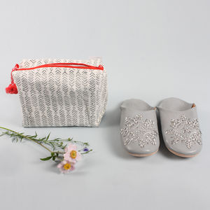 Women's Washbag And Slipper Gift Set, Grey