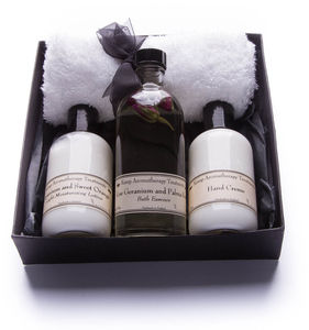 Aromatherapy Bath Essence, Lotions Or Spritzer Gift Box - washing & bathing