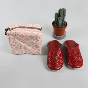 Women's Washbag And Slipper Gift Set, Coral