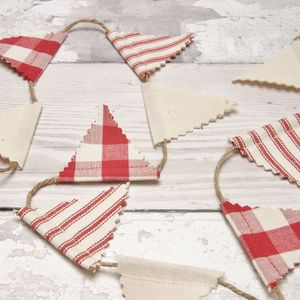 Red Mini Bunting - view all decorations