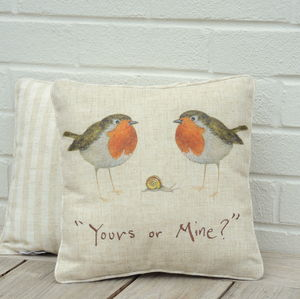Robins Cushion