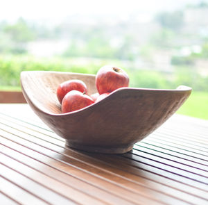 Curved Fruit Bowl - dining room