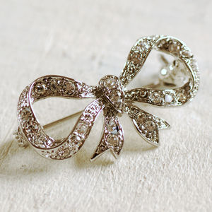 Vintage Style Dainty Bow Brooch