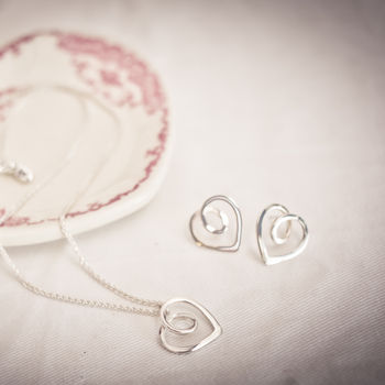 Silver Eternal Heart Pendant and Stud Jewellery Set