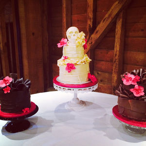 Chocolate Skull Wedding Cake - cakes & treats