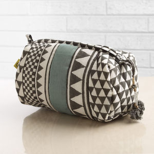 Sankari Geometric Stripe Quilted Voile Makeup Bag - health & beauty