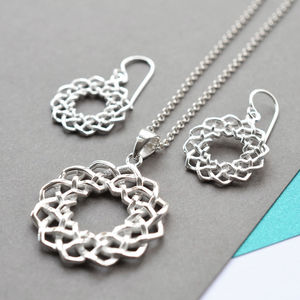 Silver Celtic Love Knot Jewellery Set
