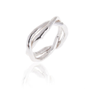 Double Band Kiss Ring