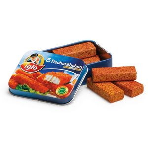 Tin Containing Five Wooden Fish Fingers Toy - play scenes