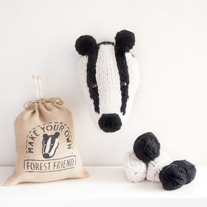 Make Your Own Faux Badger Trophy Head - sewing & knitting