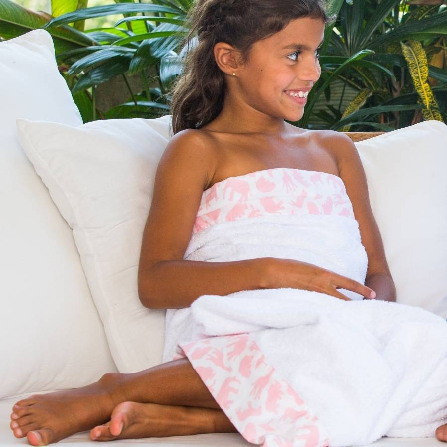 Make bath time more pleasurable by stocking up on Pink Flamingo bath towels, hand towels, and washcloths from Zazzle today! Search for products. Girl's Tropical Summer Pink Flamingo Name Bath Towel Set. $ 20% Off with code ZSUNDAYSHOPZ ends today. Pink flamingos towel set. $