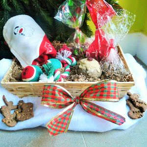 Good Pups Christmas Hamper - dogs