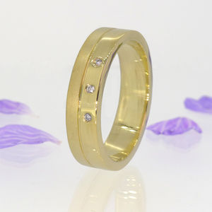 Men's Contemporary Diamond Ring In 18ct Gold - gold