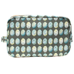 Blue Eggs Traditional Washbag